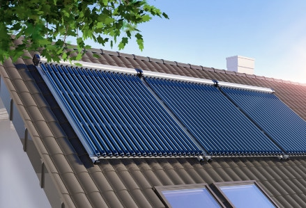 image of roof mounted solar hot water system